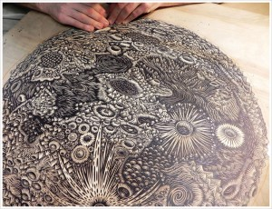 themoon_woodcut_carving02_b